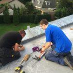 Installatie zonnepanelen schuin dak