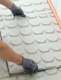 Variokomp droogbouw vloerverwarming gipsvezelplaten neerleggen