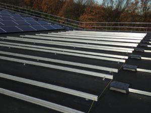Montagesysteem op bitumen dak