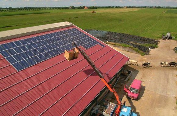 Zonnepanelen op agrarisch dak