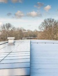 Pv panelen op een rond gebogen dak