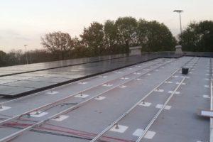 Pv panelen op rond, gebogen dak