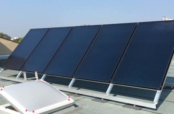 Zonnecollector op plat dak