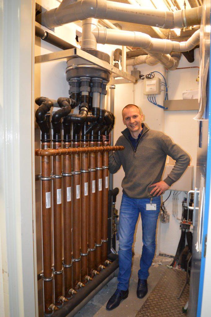 Collega Luuk op bezoek bij de PI Leeuwarden