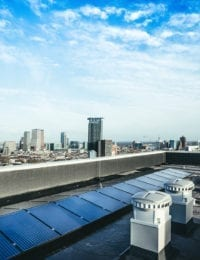 Zonnepanelen VVE op appartementencomplex mogelijk door montagesysteem jual solar