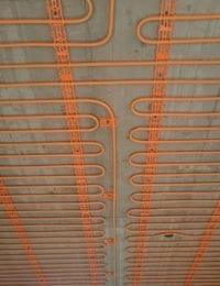 Klimaatplafond of koelplafond met leem, stuc of ecopleister afwerking