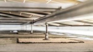Zonnepanelen op lichte dakconstructie zonder gebruik van ballast
