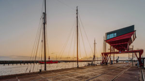 Duurzaam hotel aan de waddenzee met zonnepanelen