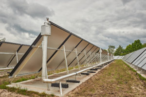 Thermic Energy vlakglas zonnecollectoren vrijveld opstelling